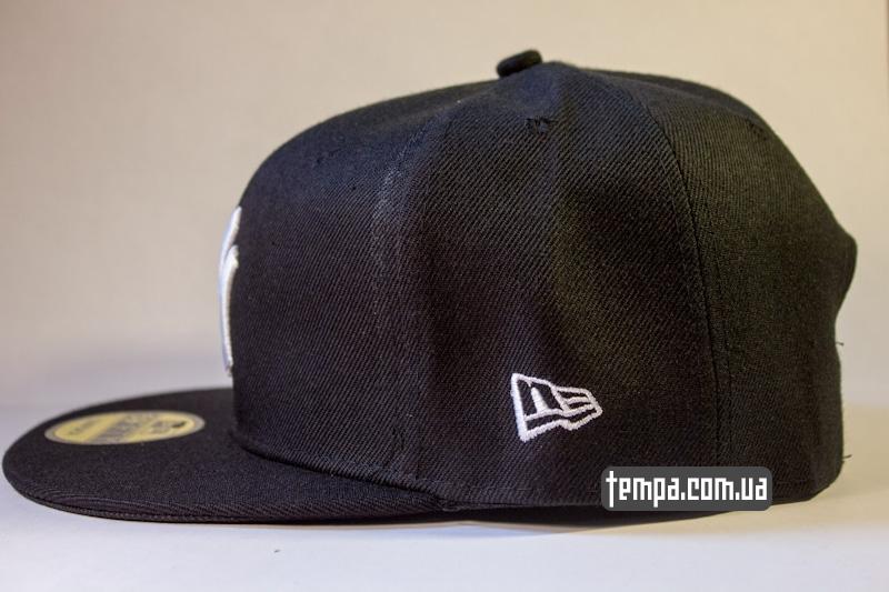 snapback_NY_New_york_Yankees_chernaya_s_logotipom_1