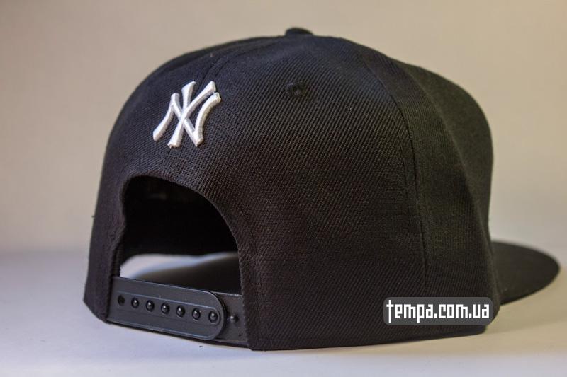 snapback_NY_New_york_Yankees_chernaya_s_logotipom_2