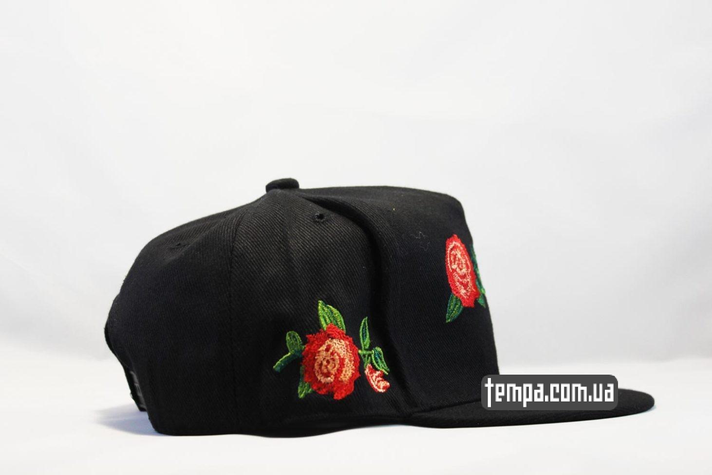 кепка Snapback MI CASA Cayler And Sons с розами черная