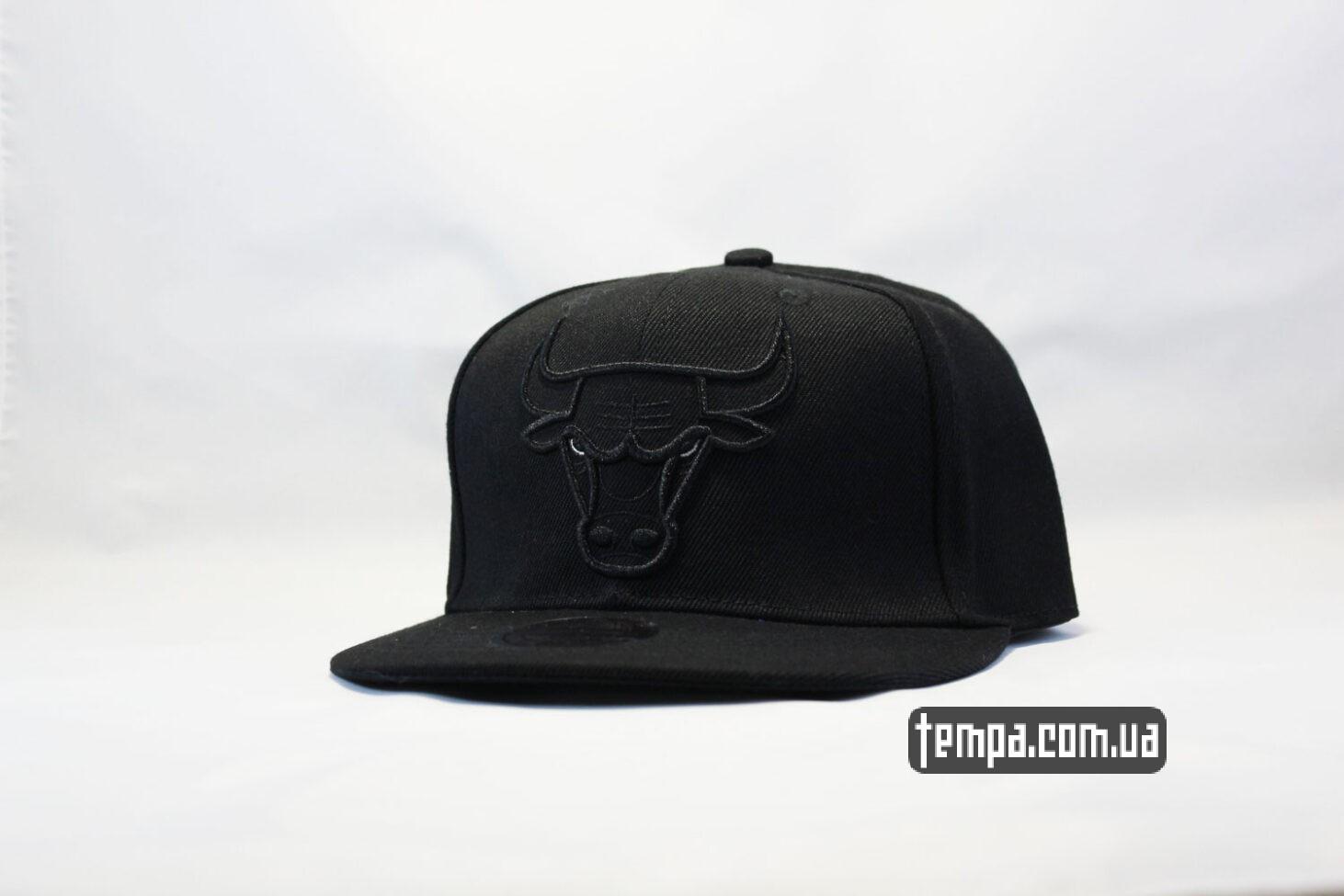 кепка snapback Chicago Bulls black New Era черная с черным быком